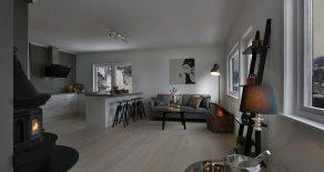 Hedensrud/Drammen- Nyoppusset 4-roms selveierleilighet med loft m/stort potensial. Solrik veranda med fantastisk utsikt, 3 soverom, lekkert bad, helt nytt kjøkken og felles hage. Ingen fellesgjeld eller felleskostnader. Barnevennlig og sentral beliggenhet