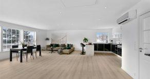 Konnerud/Drammen Betydelig oppgradert enebolig over 2 plan på romslig tomt. 2 stuer. 2 kjøkken. 1 vaskerom og 2 bad fra 2018. Sentralt!