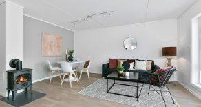 Mjøndalen Sentrum/Nedre Eiker – Betydelig oppgradert 4-roms selveier/endeleilighet – P-plass – Hage – Terrasse – Solrikt – Kjøkken/bad fra 2017!