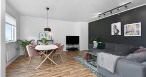 Hedensrud / Drammen – Romslig, pen 2-roms med usjenert balkong vendt mot marka – Oppgradert kjøkken – Utsikt – Parkeringsmulighet – Pipeløp!