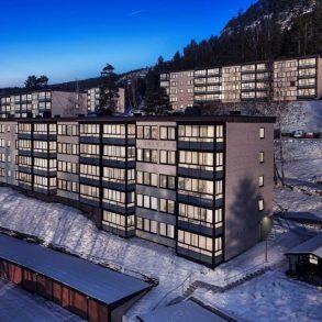 Åssiden / Drammen Stilren og lys 3-roms i markakanten – Nydelig utsikt – Solrik, innglasset balkong mot sydvest – Mulighet for garasje.