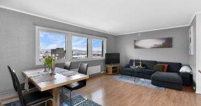 Strømsø sentrum / Drammen Lekker 2-roms selveier – Heis – Innglasset balkong – Praktfull utsikt – 9 etg – Supersentralt med nærhet til togstasjon!