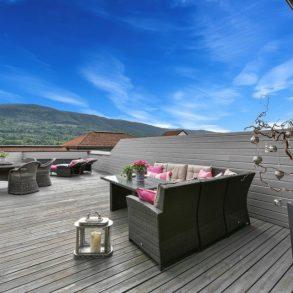 Elveparken/Åssiden/Drammen Lekker 3-roms toppleilighet – Stor terrasse – Herlig utsikt over elven – 2 garasjer – Heis – Sol fra morgen til kveld!