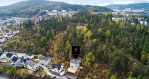 Tangen/Drammen Oppgradert halvdel av tomannsbolig o/2 plan m/2 praktikantdeler – Potensielle leieinntekter kr 25 000,- pr mnd – Carport